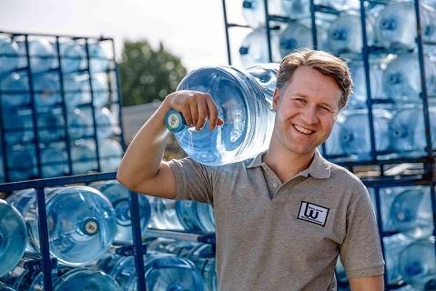 water cooler bottles worker delivery